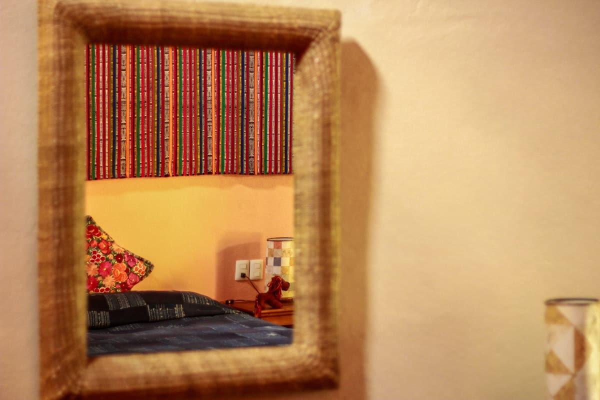 Hotel en patzcuaro 6 HUANEERI Luz de luna Cora reflejos de espejo