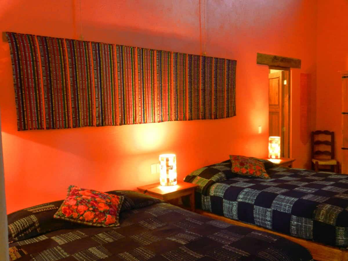 Hotel en patzcuaro 6 HUANEERI Luz de luna Cora tejido