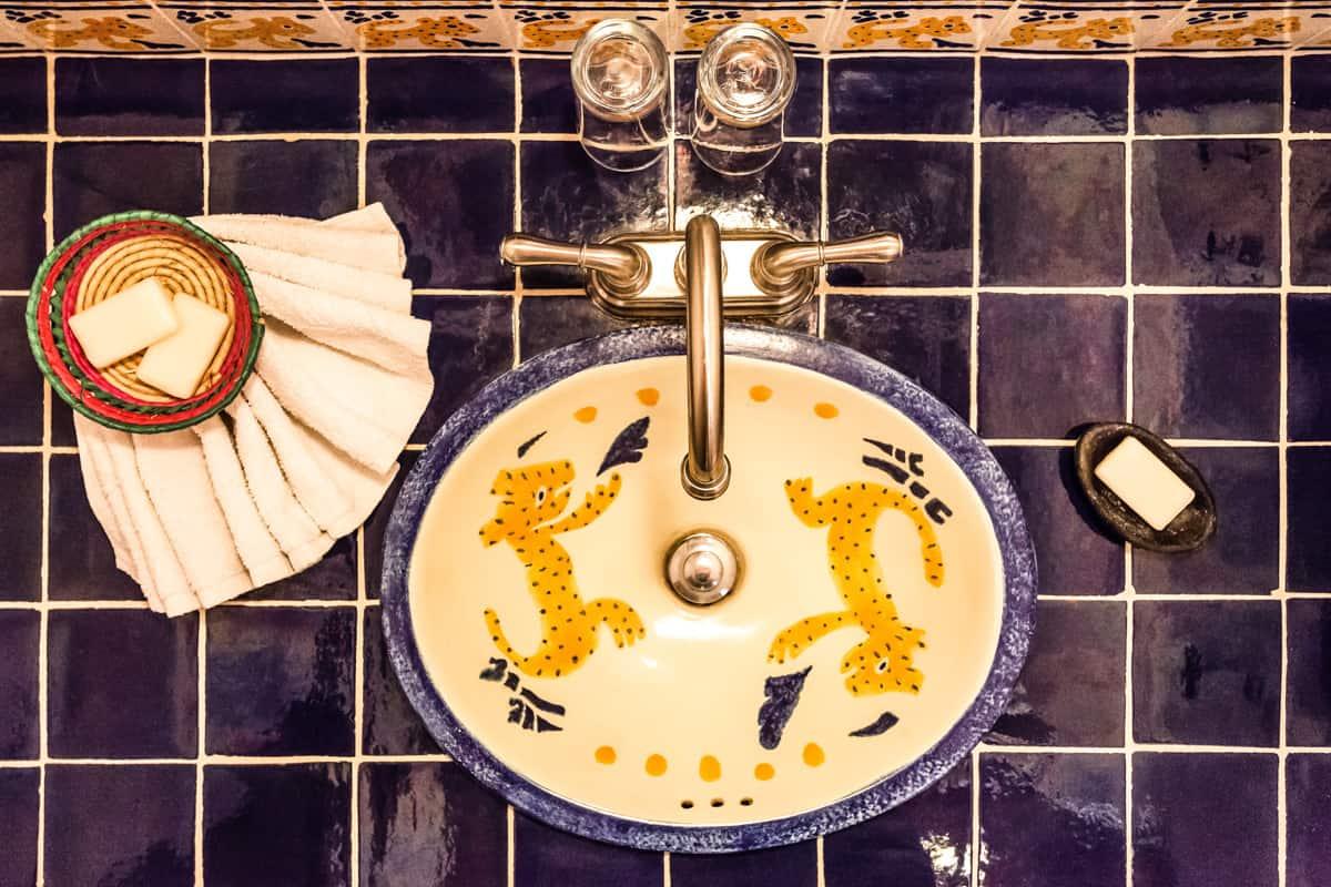 Hotel-en-patzcuaro-balam- lavabo-bano