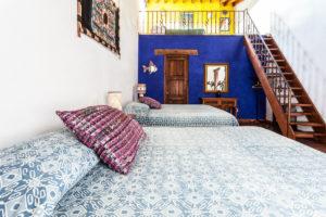 hotel en patzcuaro habitación parede azul