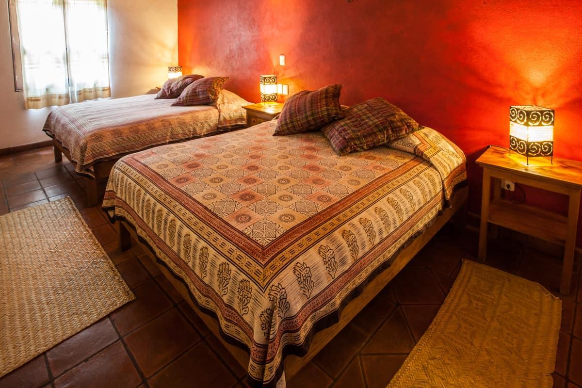 hotel en patzcuaro tsinarini dos camas queen size