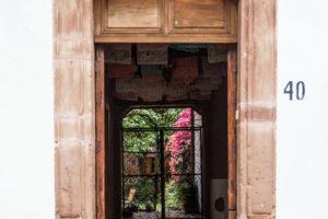 Posada-Yolihuani-Puerta-de-Fachada-galeria