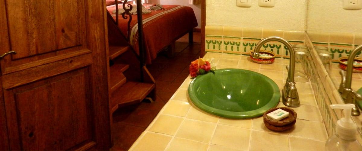 Hotel en Patzcuaro Iyari lavabo